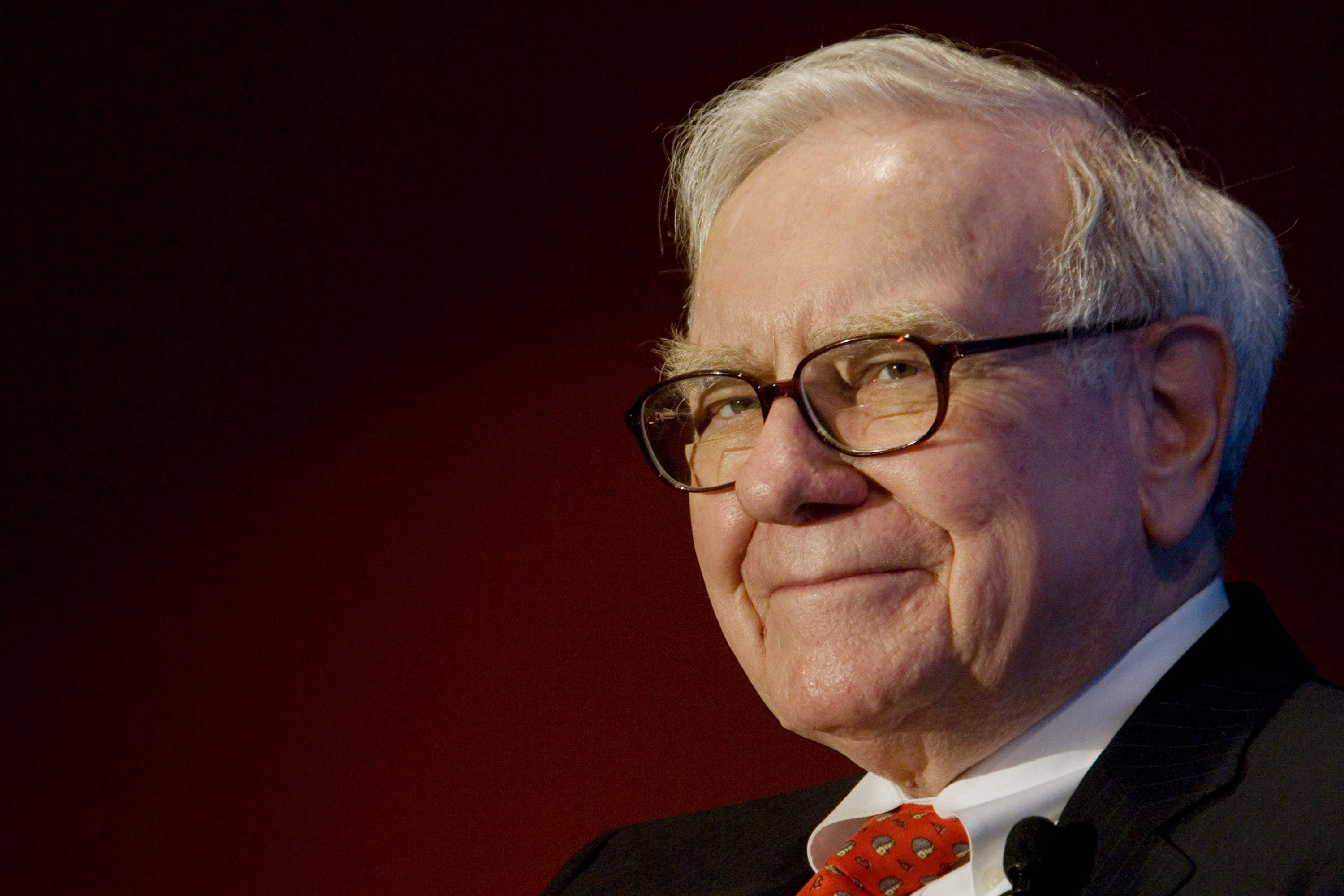 Warren Buffett Calls for America's Men to Boost Women in Business ...